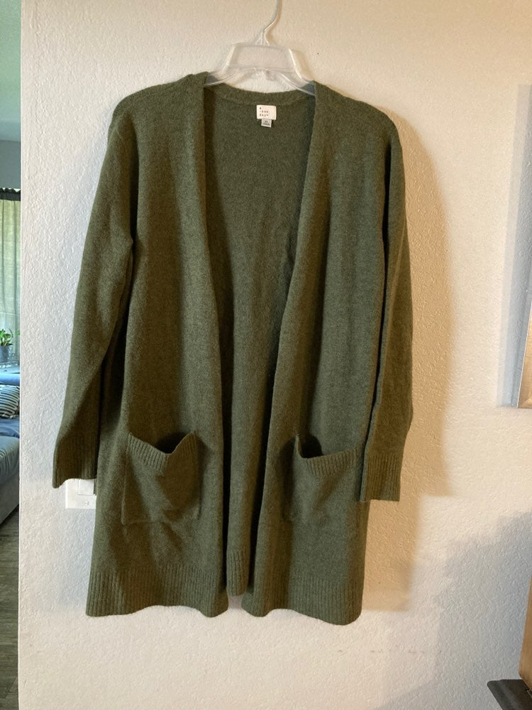 A new day olive green Cardigan XL