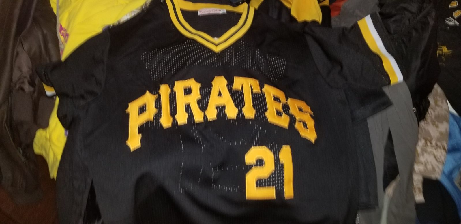 Roberto Clemente Pitts Pirates jersey