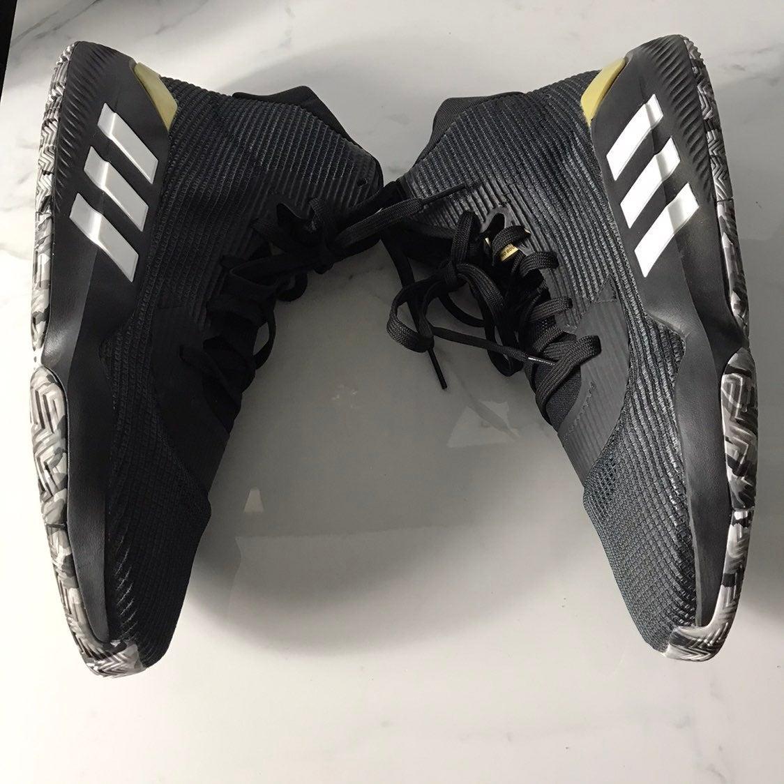 Adidas mens pro bounce Sz 15