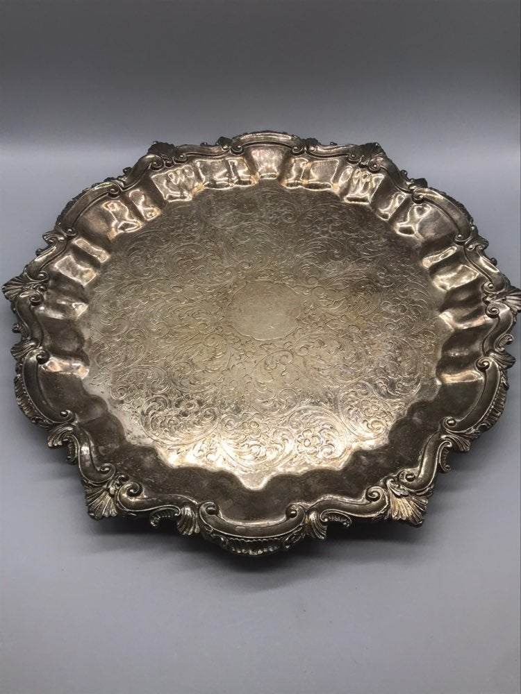 Silver footed clam shell tray etched