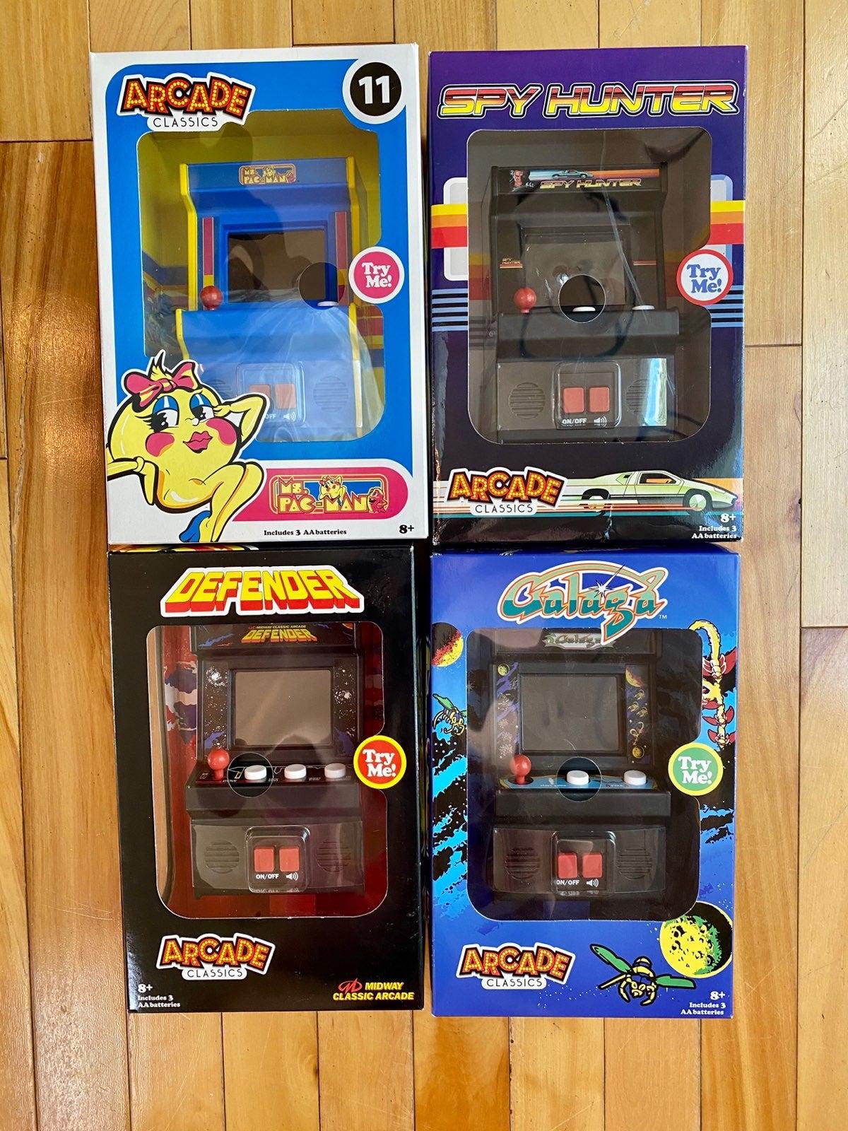 4 classic arcade games set