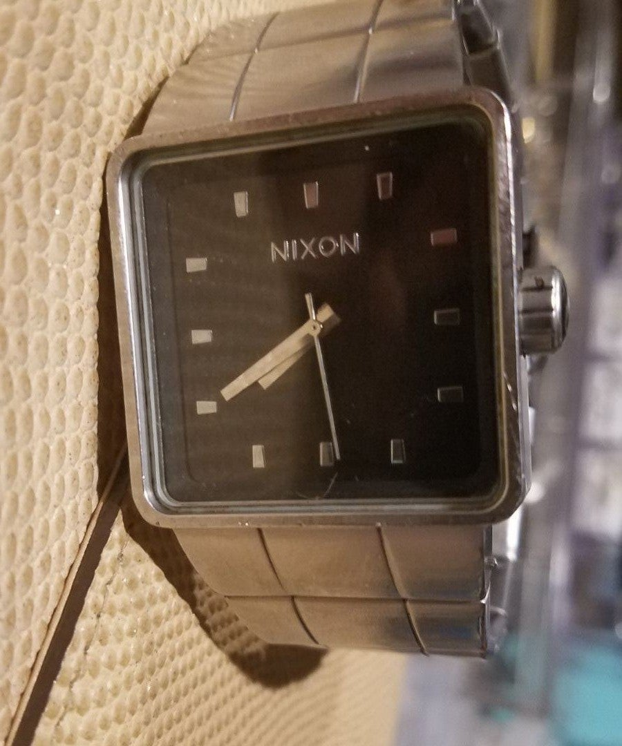 "Nixon ""Full Throttle"" The Quattro"