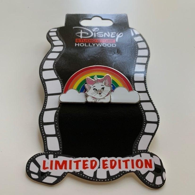 DSSH Disney Marie Rainbow Aristocats Pin