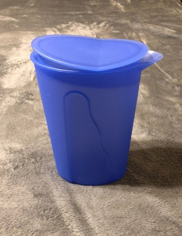 Blue Tupperware Rocker Top Pitcher 1 L