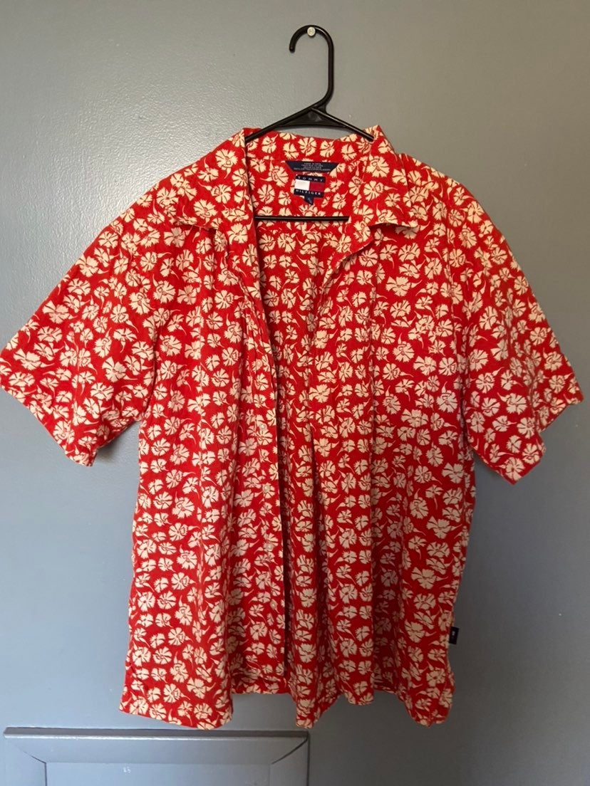 Tommy Hilfiger button shirt Hawaiian