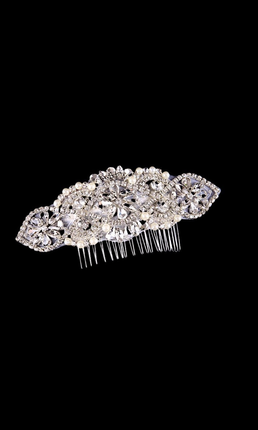 Beautiful Rhinestone and Pearl Hair Comb