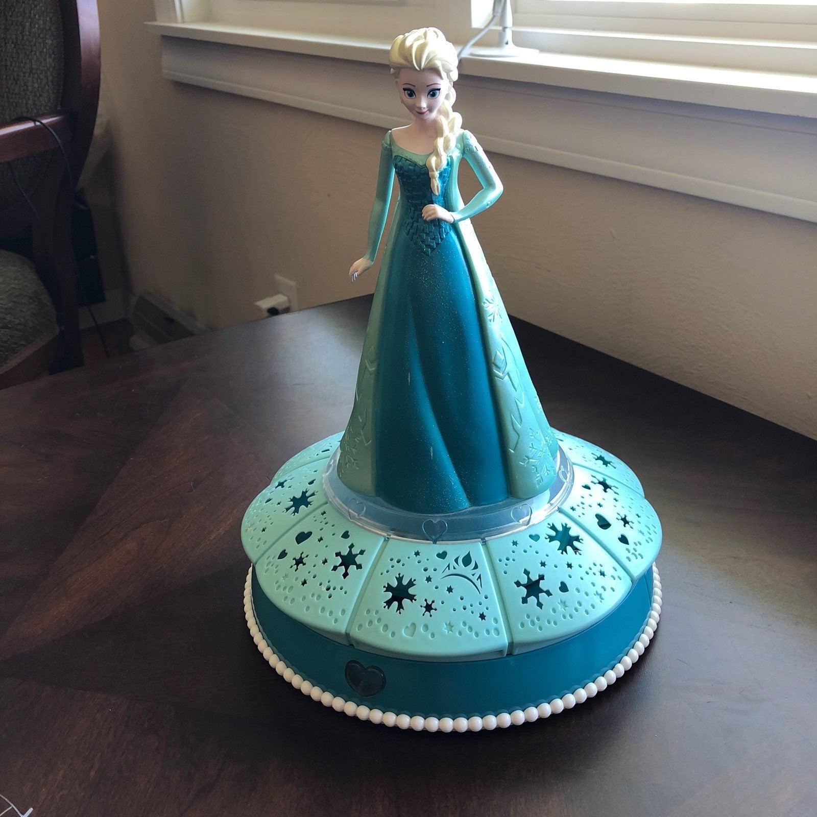 Light Up, Spin, & Sing Elsa