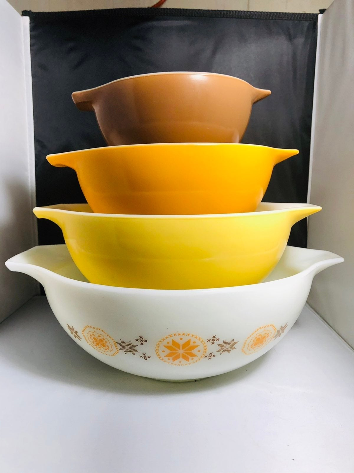 Town and country vintage pyrex
