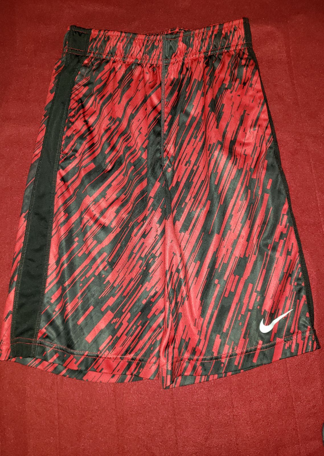 nike athletic shorts youth medium like n