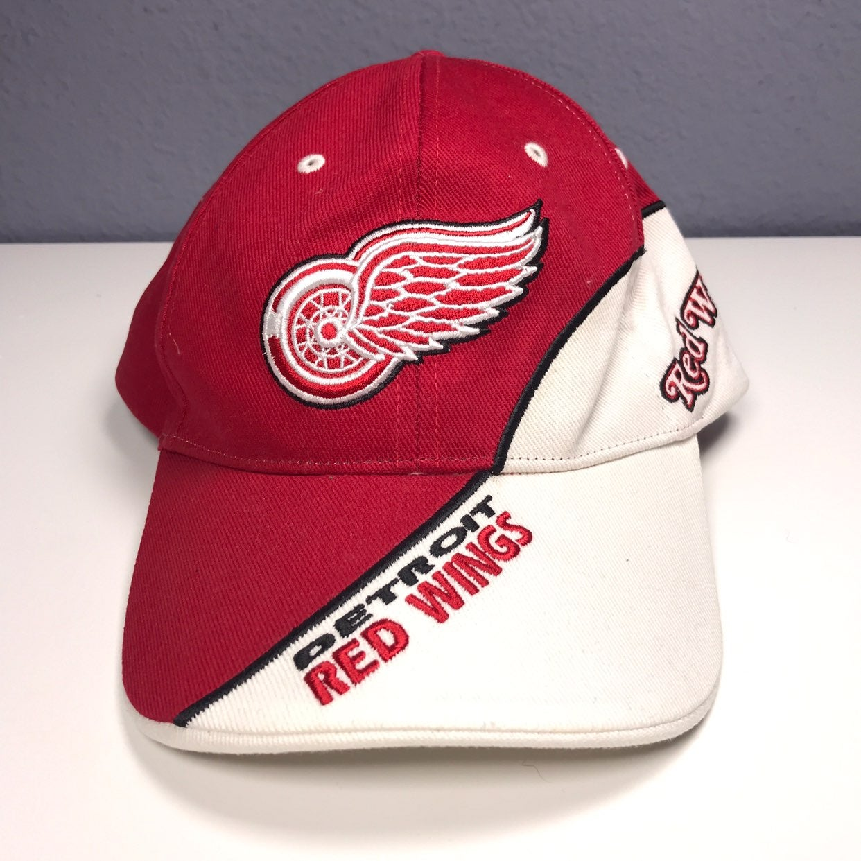 Red Wings Hat Official NHL Fan Favorite