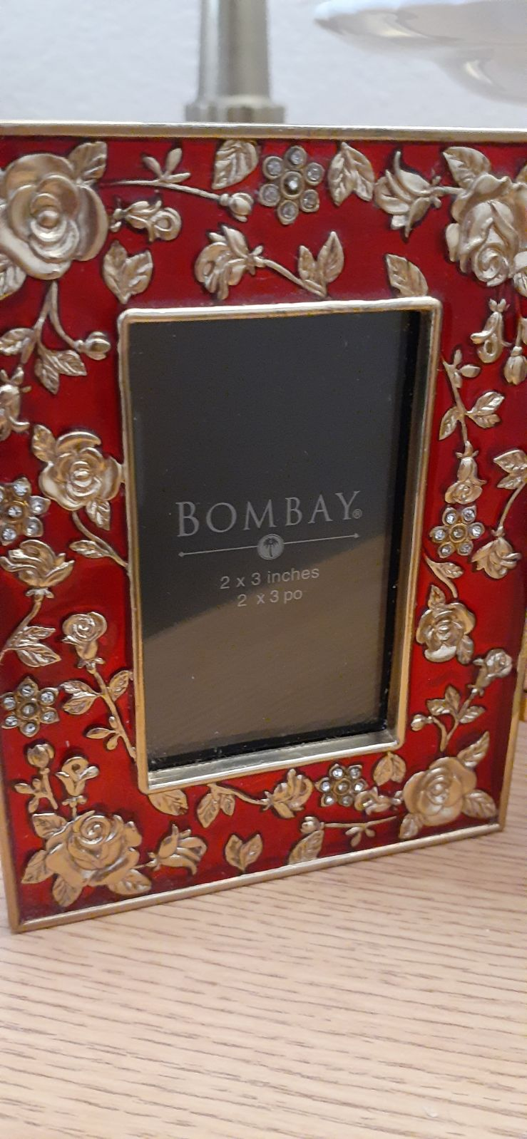 """Bombay 2"""" x 3"""" Tri-Fold Picture Frame"""