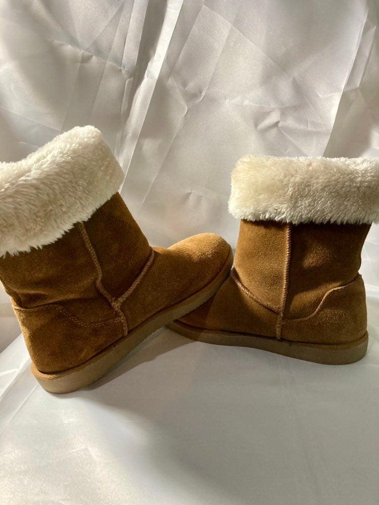 Magellan Outdoor Boots women size 9
