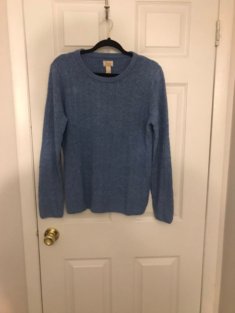 GH Bass & Co Blue cable large sweater