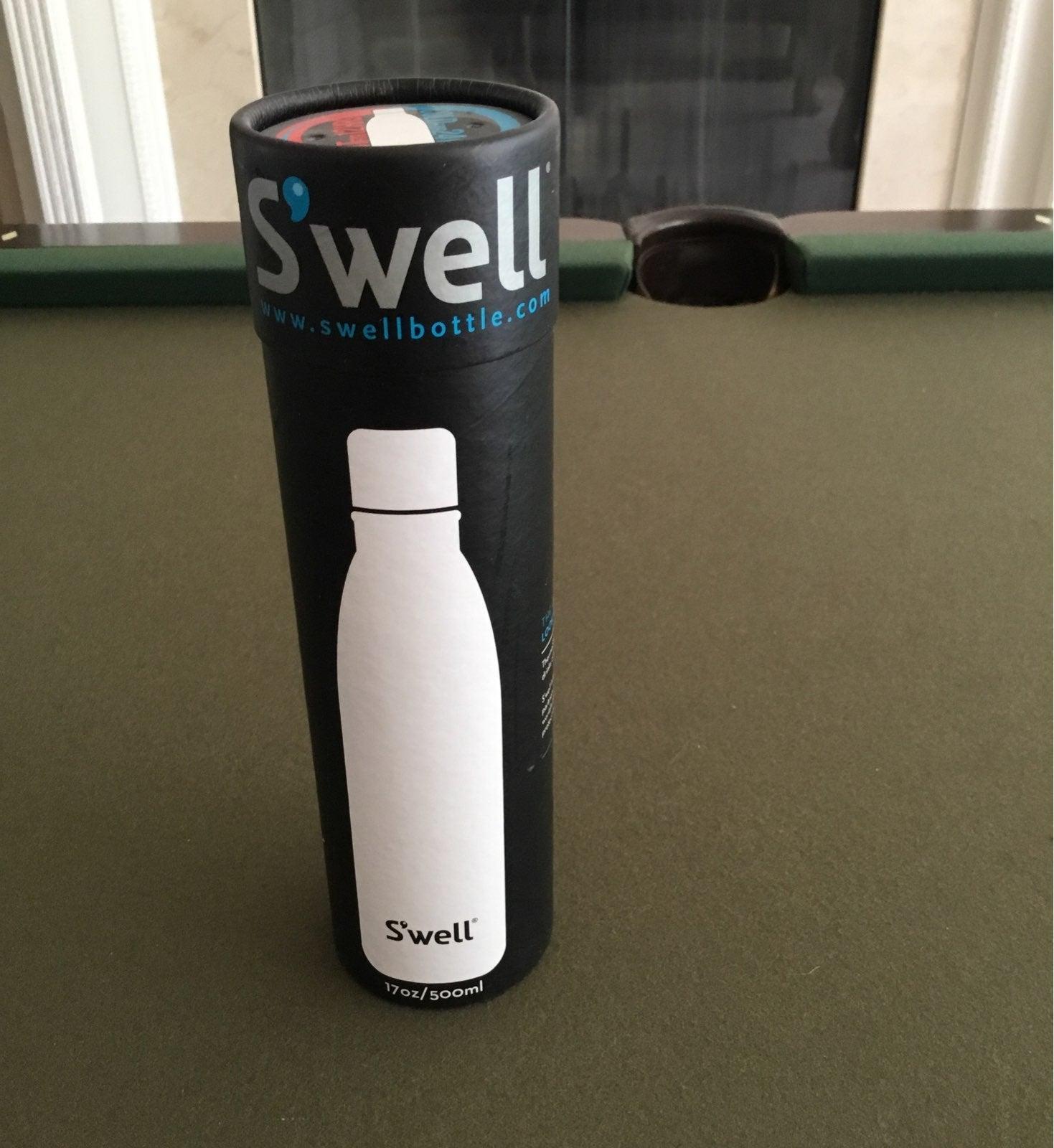 NIB Swell budlight water bottle 17oz