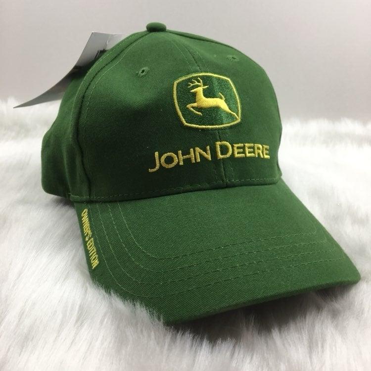 John Deere hat. Owner's Edition. NWT