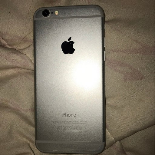 iPhone 6 Silver 64 gigabytes *For parts*