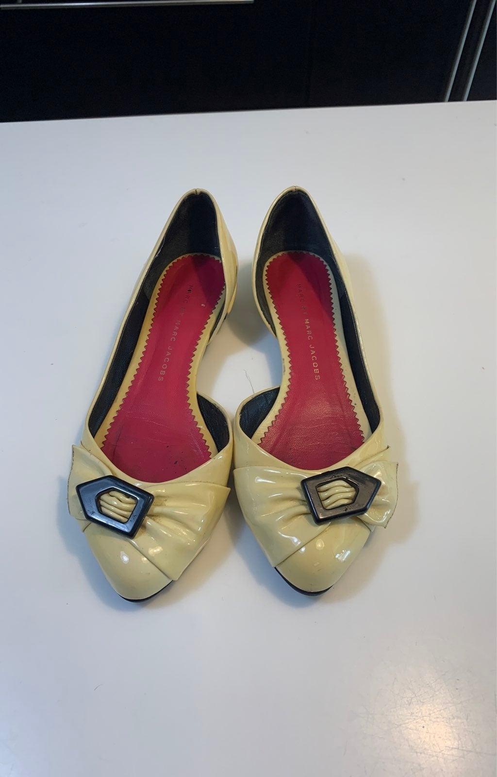 Mark jacobs vanilla patent leather mary