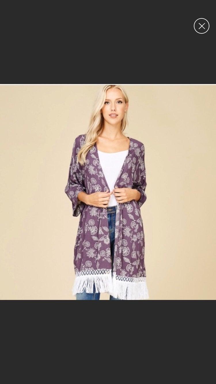 Crescent Vivian floral tasseled kimono