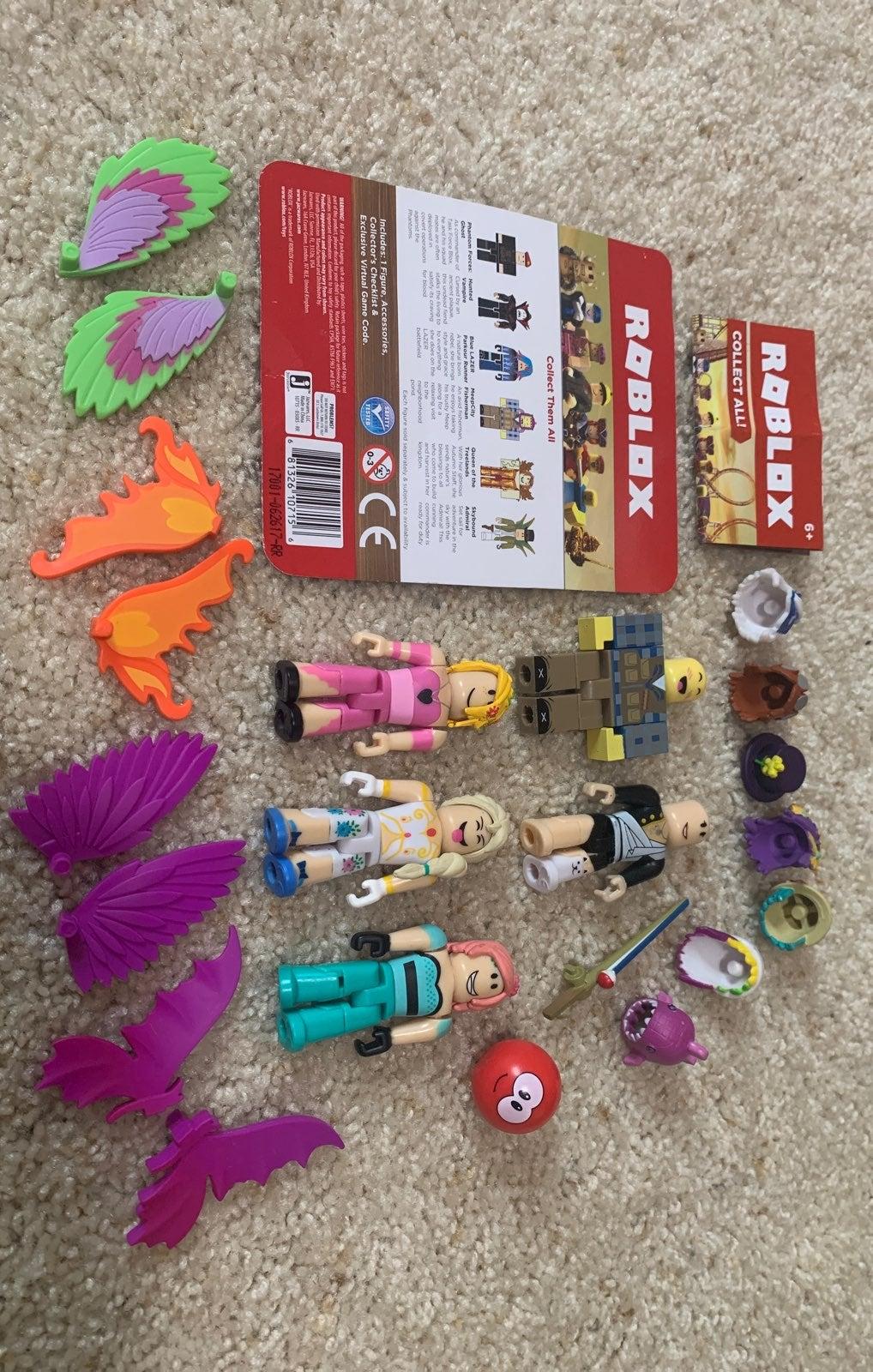 Bundle of Roblox Figurines