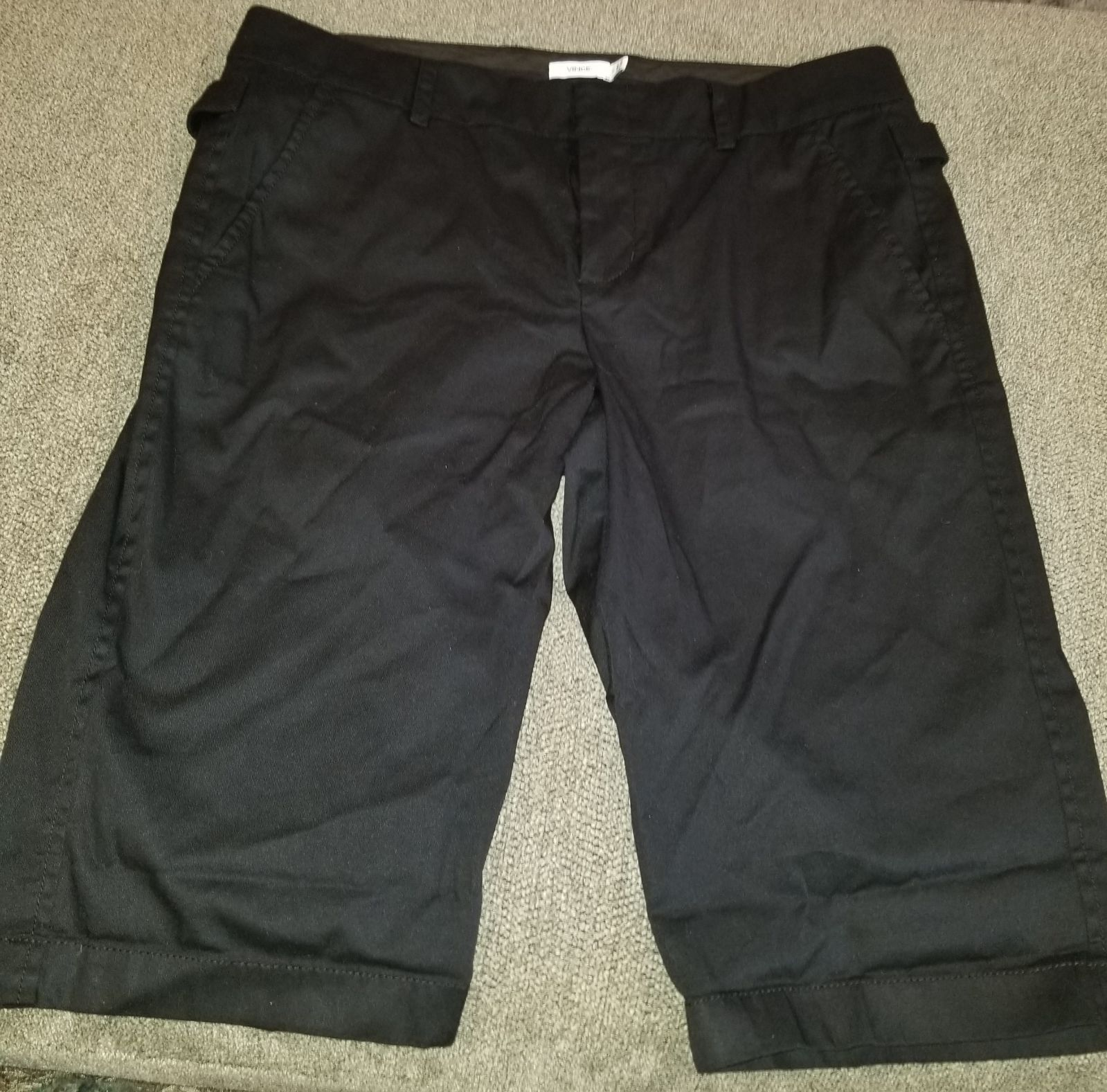 Vince Bermuda shorts size 6 gently used