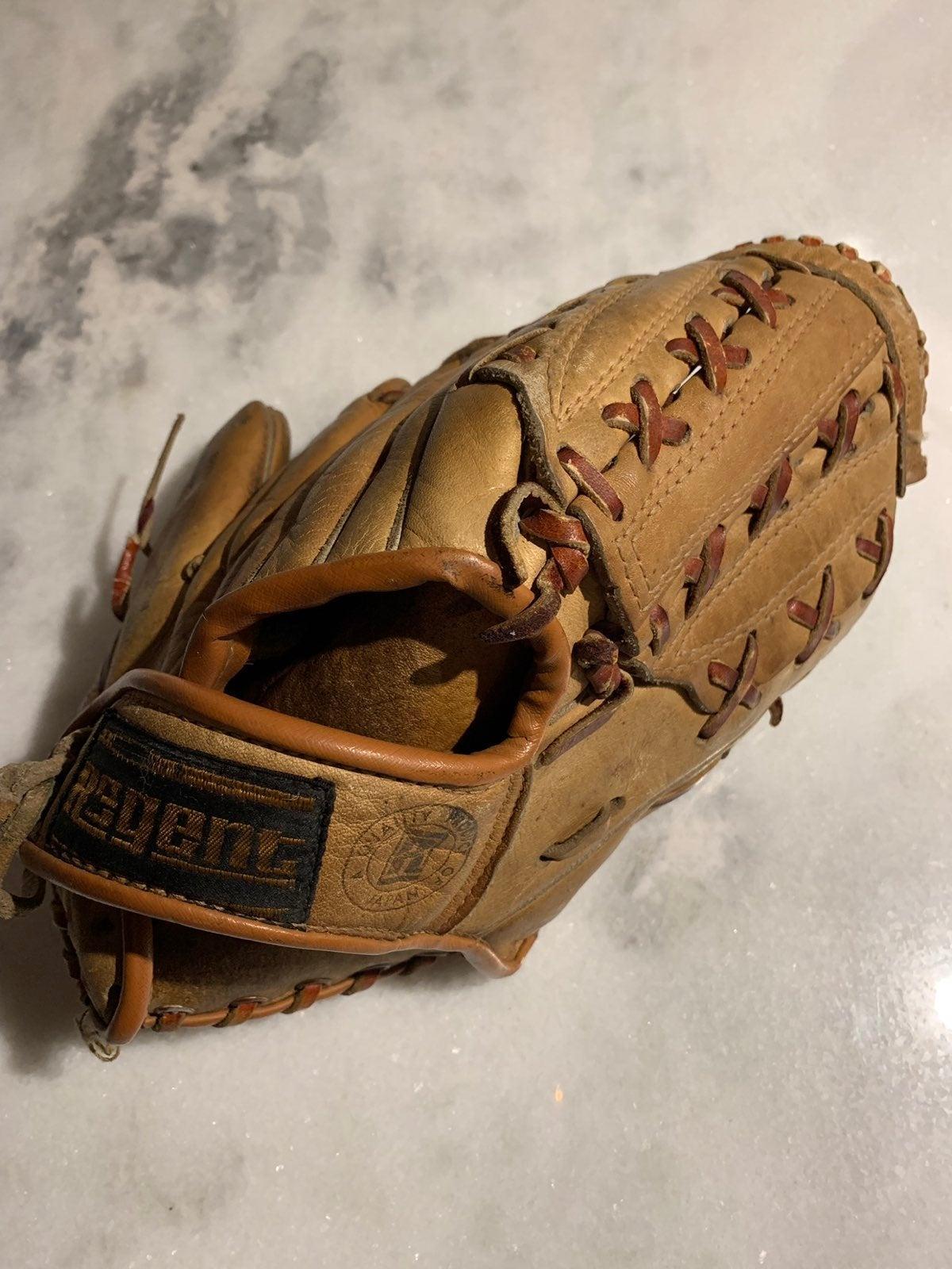 Bobby Shantz NY autograph glove vintage