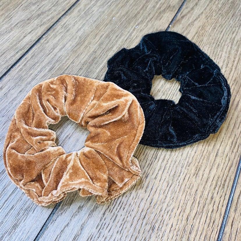 black and tan velvet Big scrunchie set
