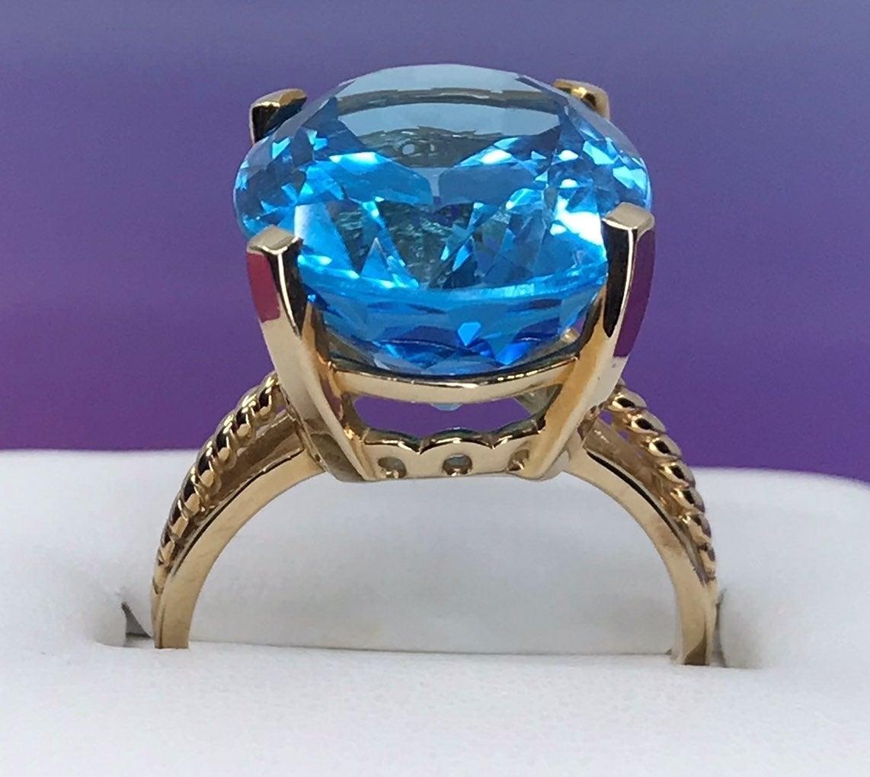 10k SOLID Gold HUGE Blue TOPAZ Ring