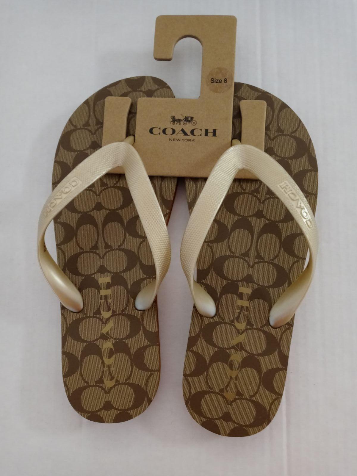 COACH Women's Flip Flop SZ7/8 Logo