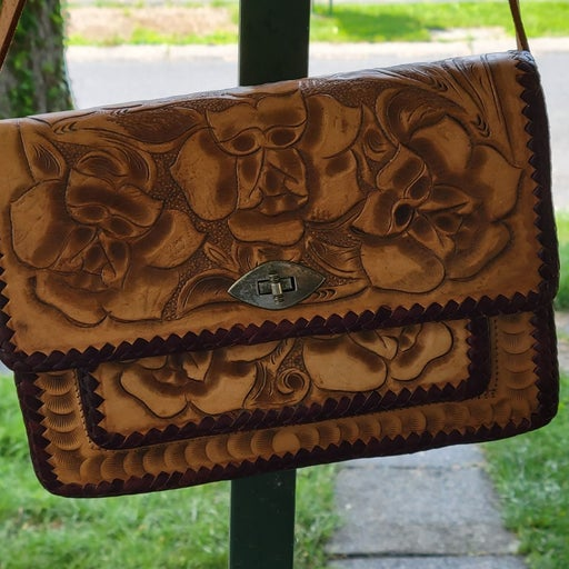 Leather hand crafted leather purse Mexic