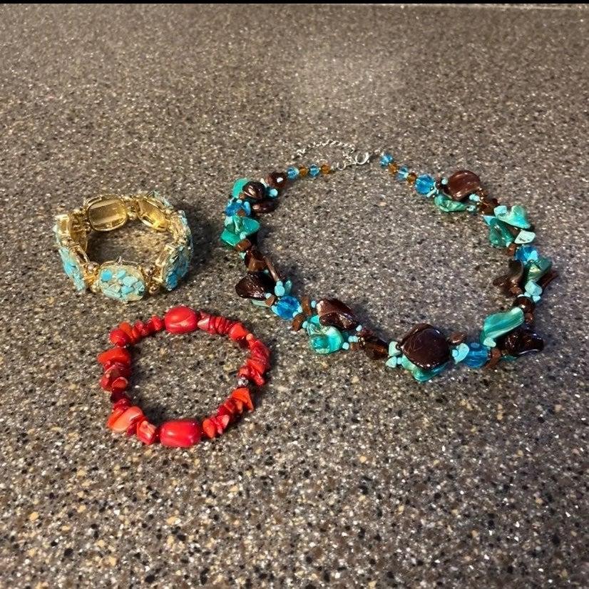 Jewelry lot braclets & necklace