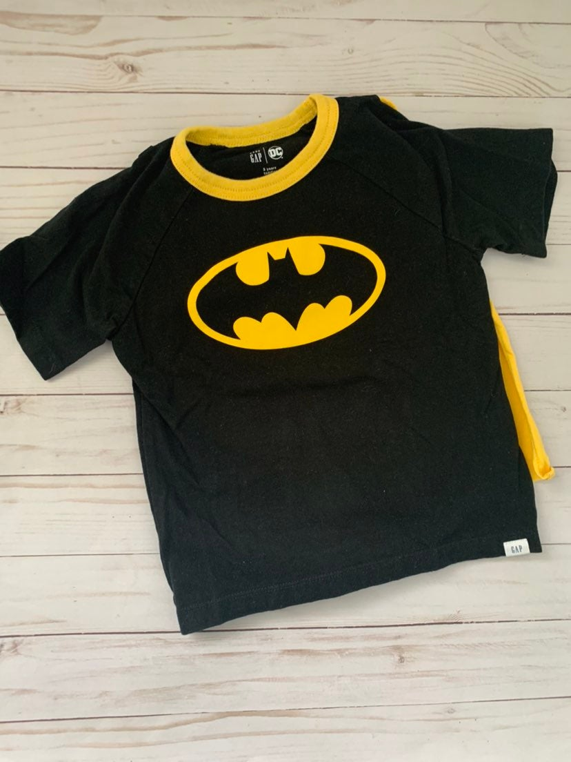 Batman T-shirt w cape 3T