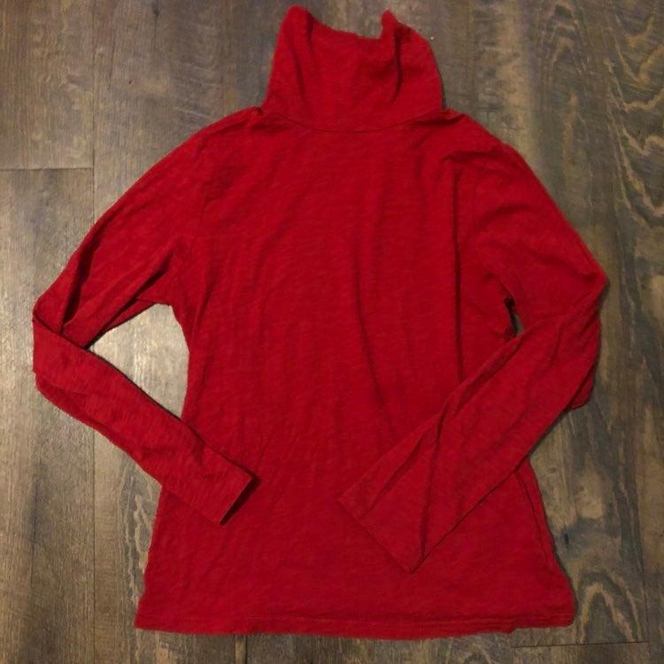 Garnet Hill Red Turtleneck Long Sleeve T