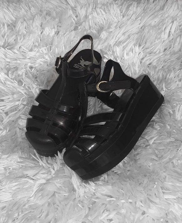 y2k platform sandals
