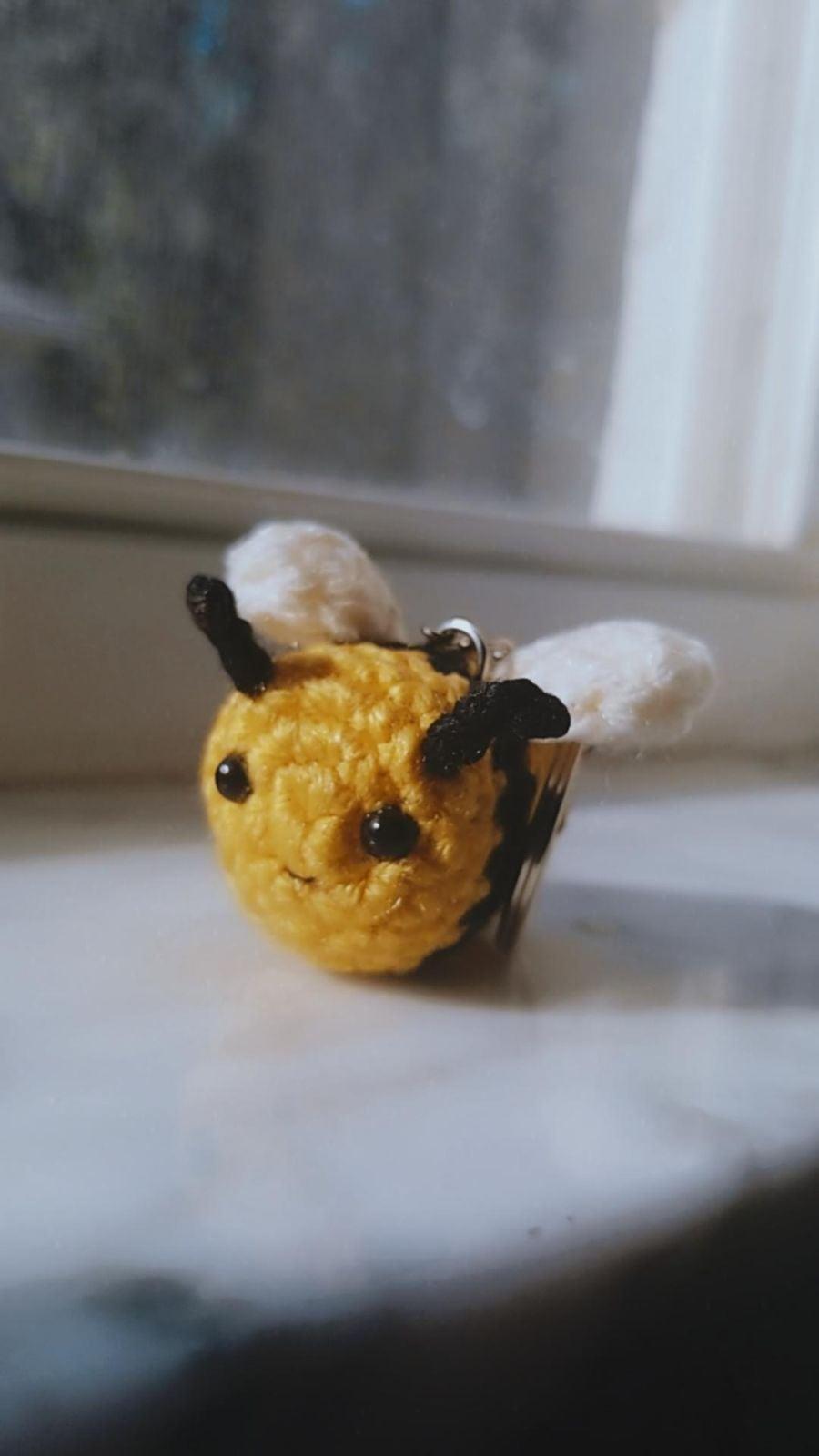 Kawaii Bee keychain