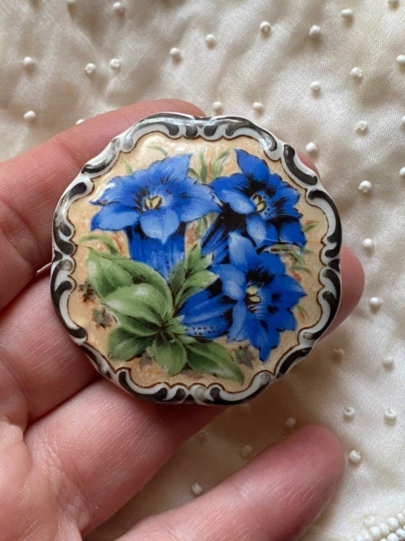 Vintage SCHUMANN Porcelain Brooch Pin
