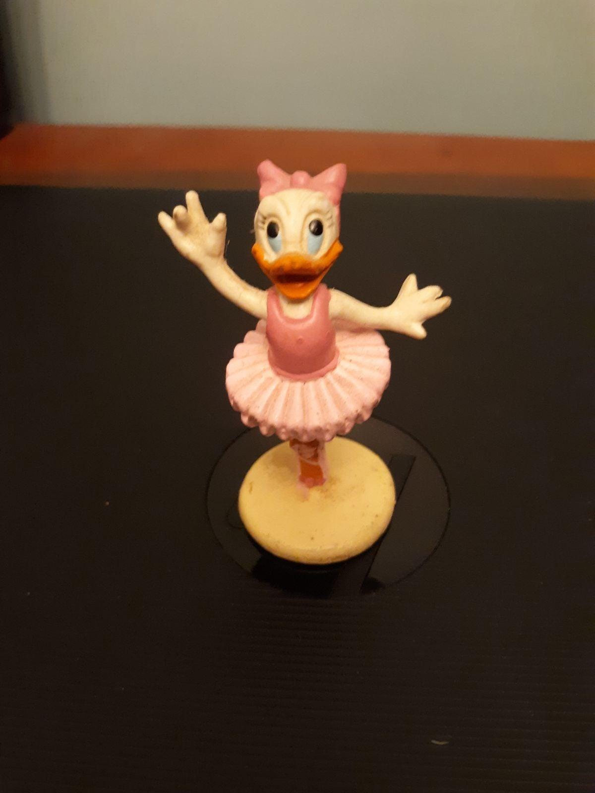Vtg Walt Disney co. Daisy Duck
