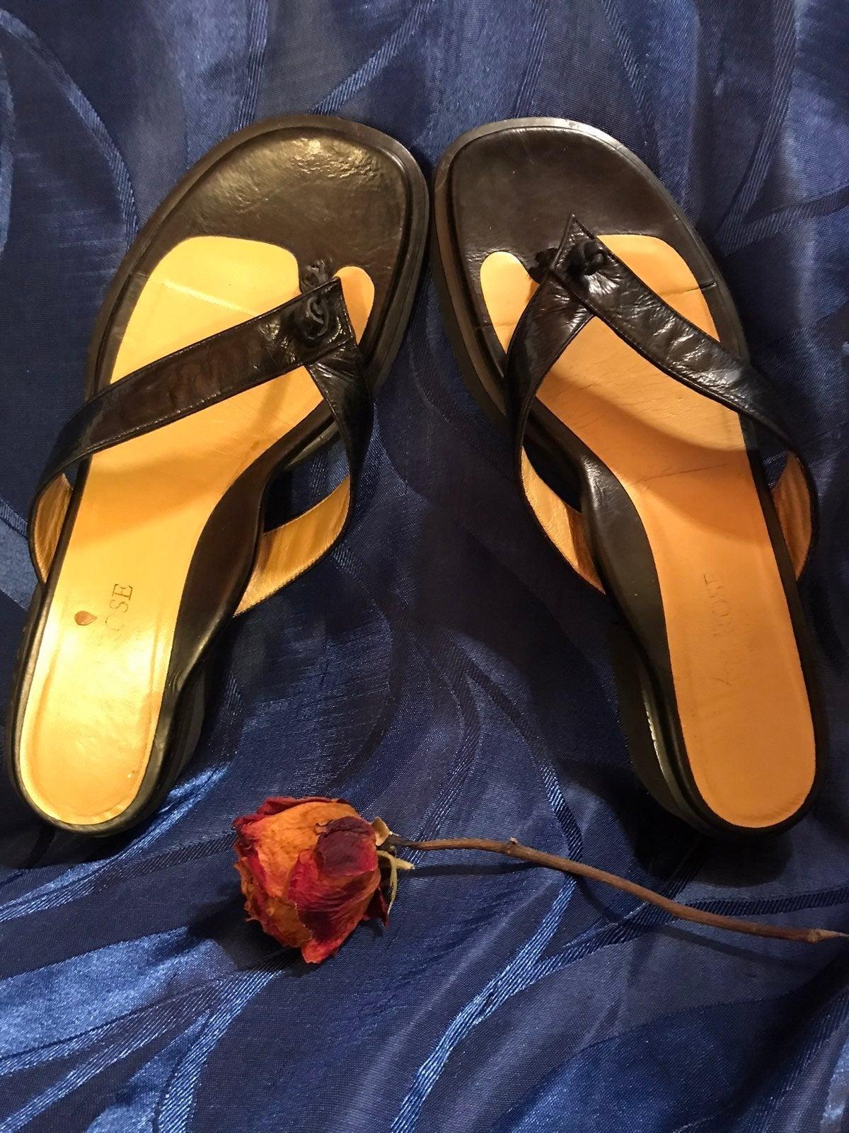 Taryn Rose Italian Black Flop Sandals