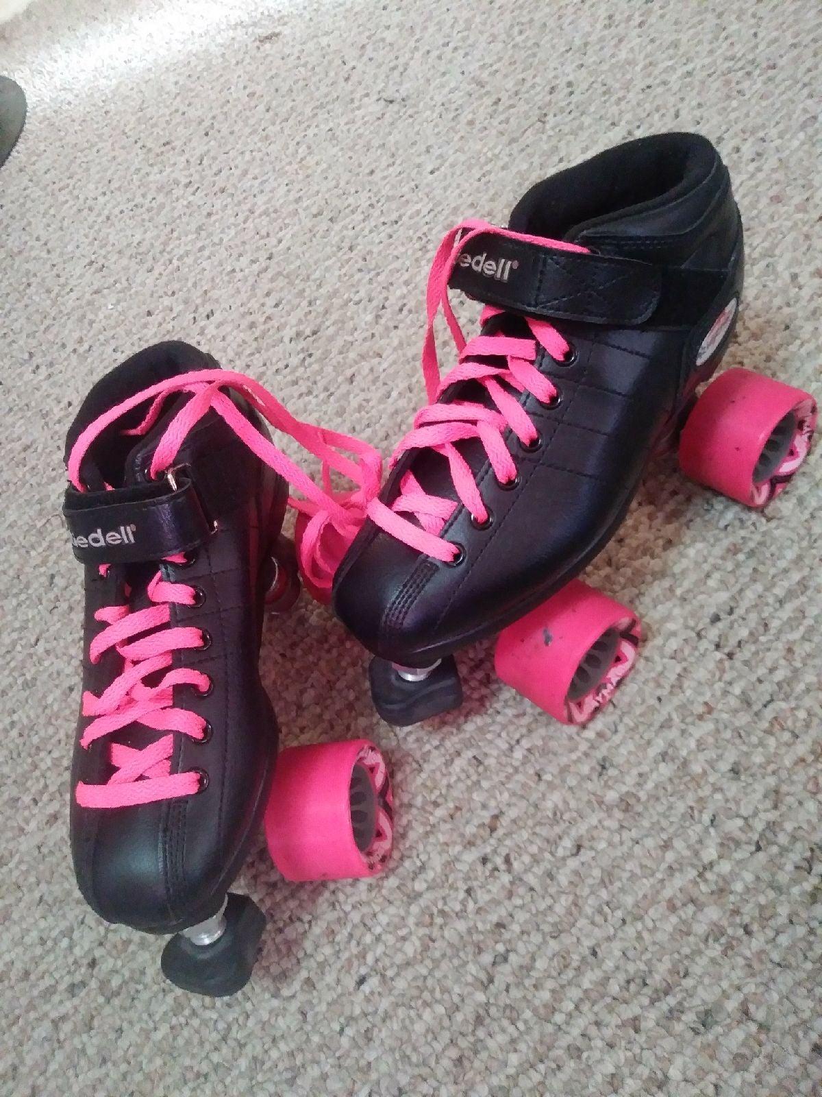 Adult Size 6 Rollerskates