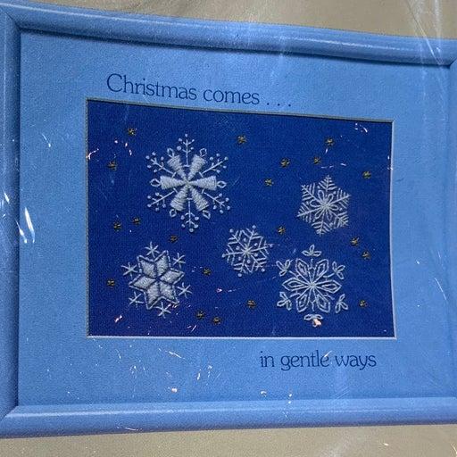 Vtg Creative kit Gentle Snowflakes Xmas