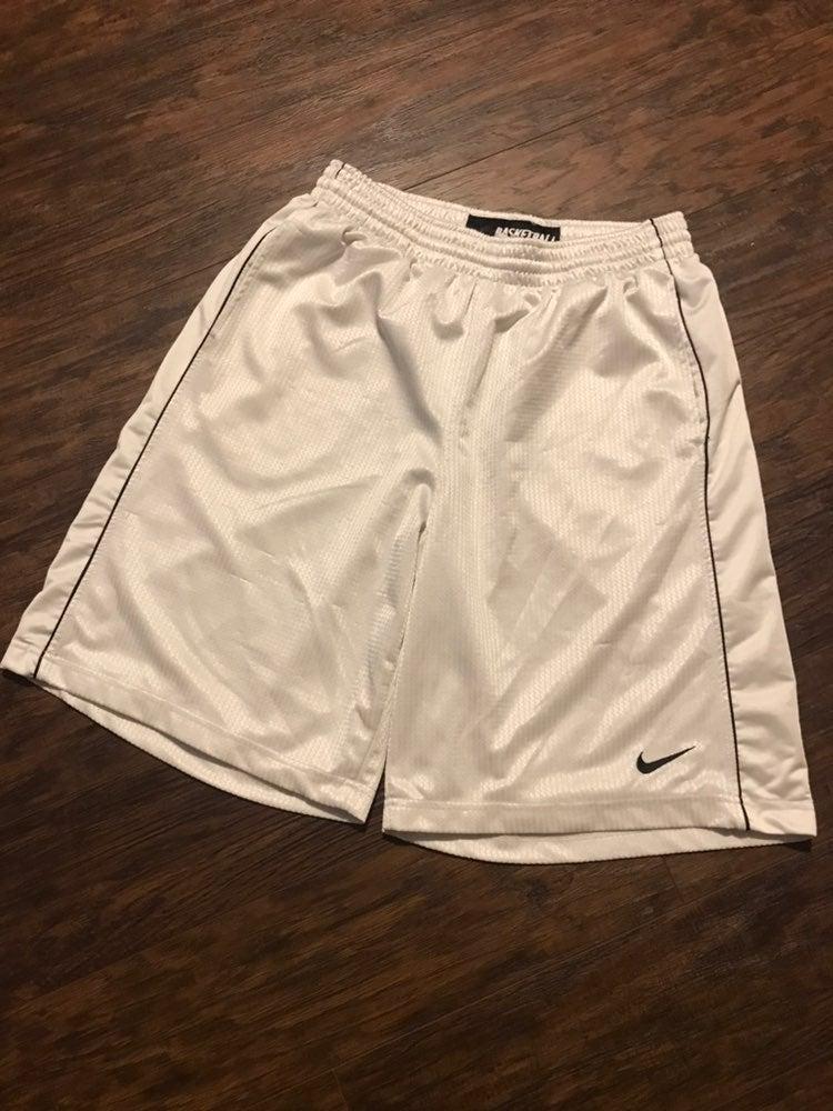 Nike Large White Basketball Shorts Good