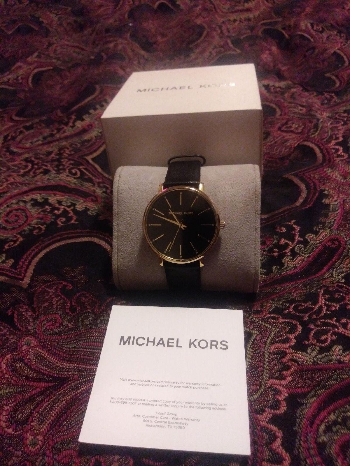 Michael Kors Watch Mk 2747 Like New