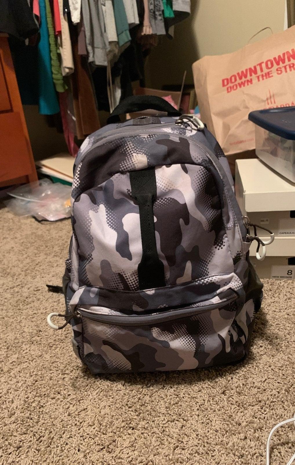 Embark cameflauge gray backpack