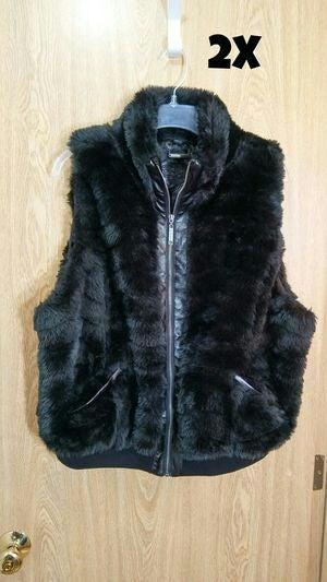2X - Black faux fur vest