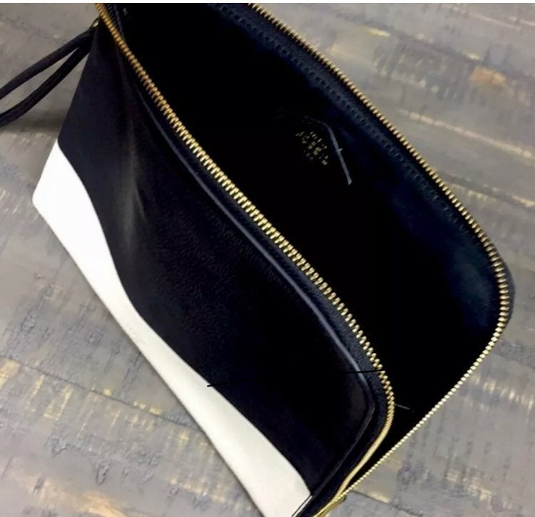 FOSSIL TABLET SLEEVE OR CLUTCH NWT