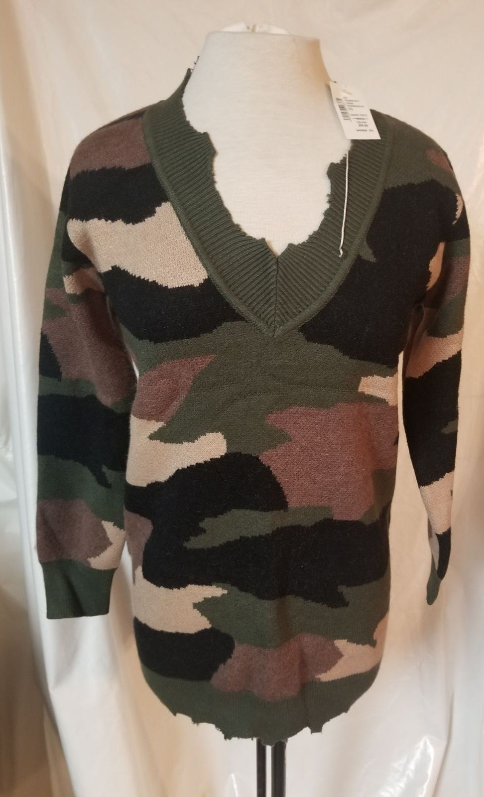 Camflouge sweater small