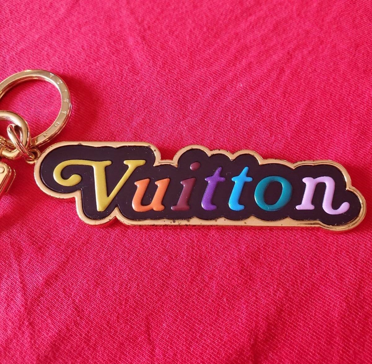Louis Vuitton Authentic Wave keychain ba