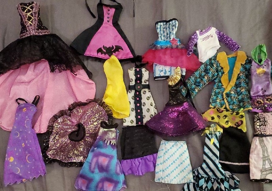 Monster High Clothes Lot