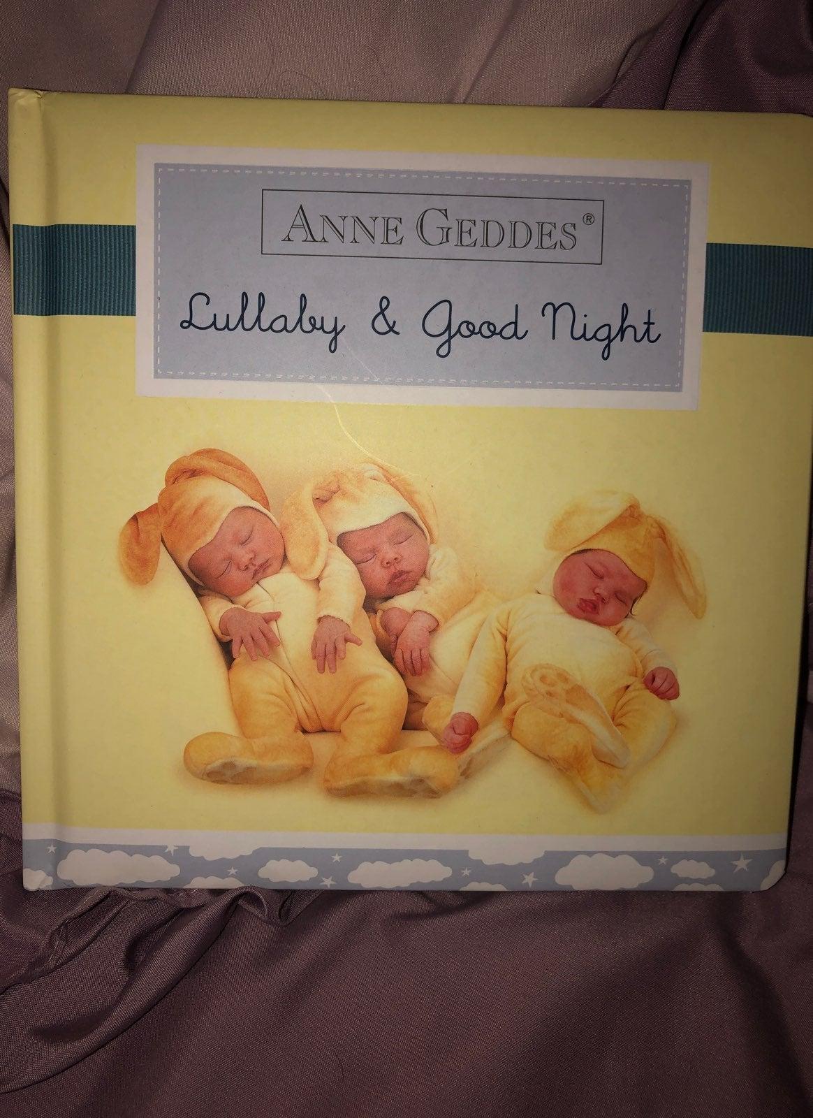 Anne Geddes Baby Book