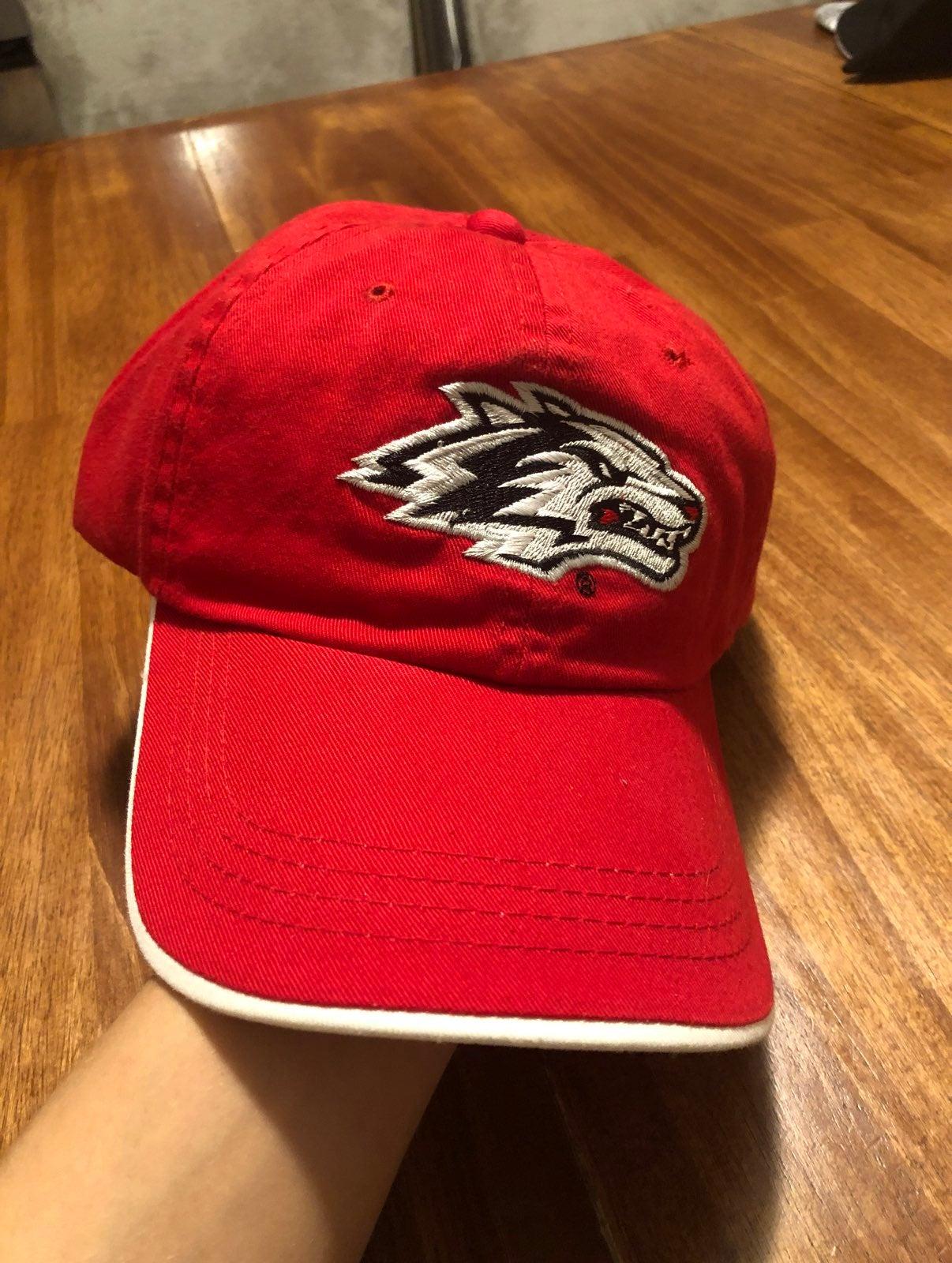Lobos hat