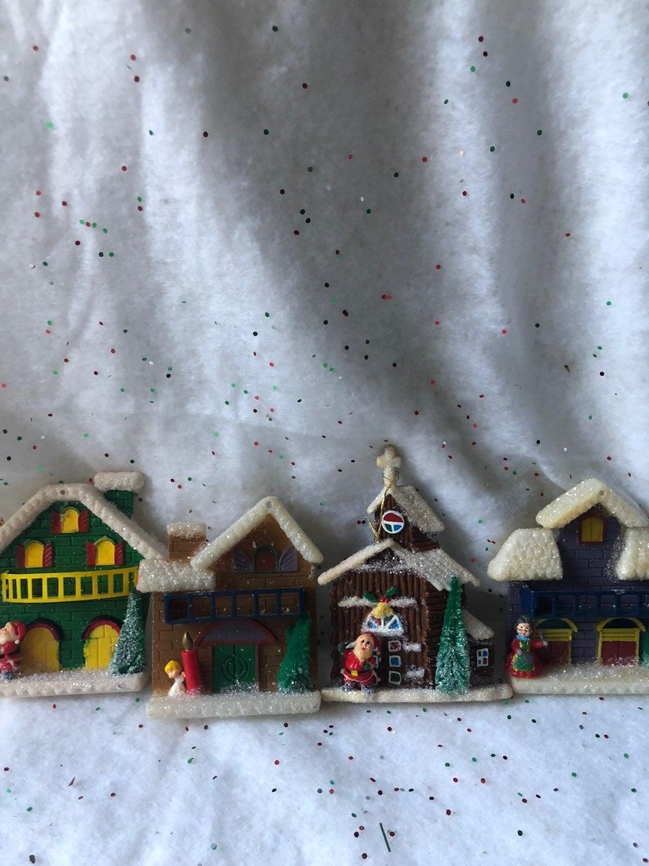 Vintage christmas house decorations plas